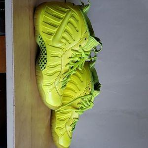 Foamposite Nike Sneaker